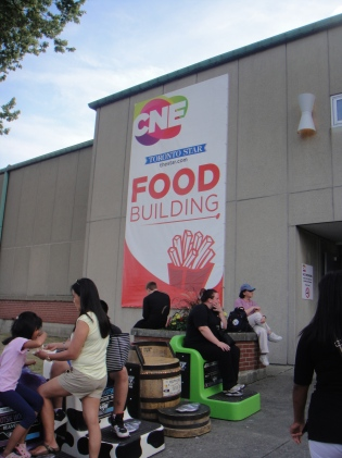 The almighty Food Building! *bows down to it*